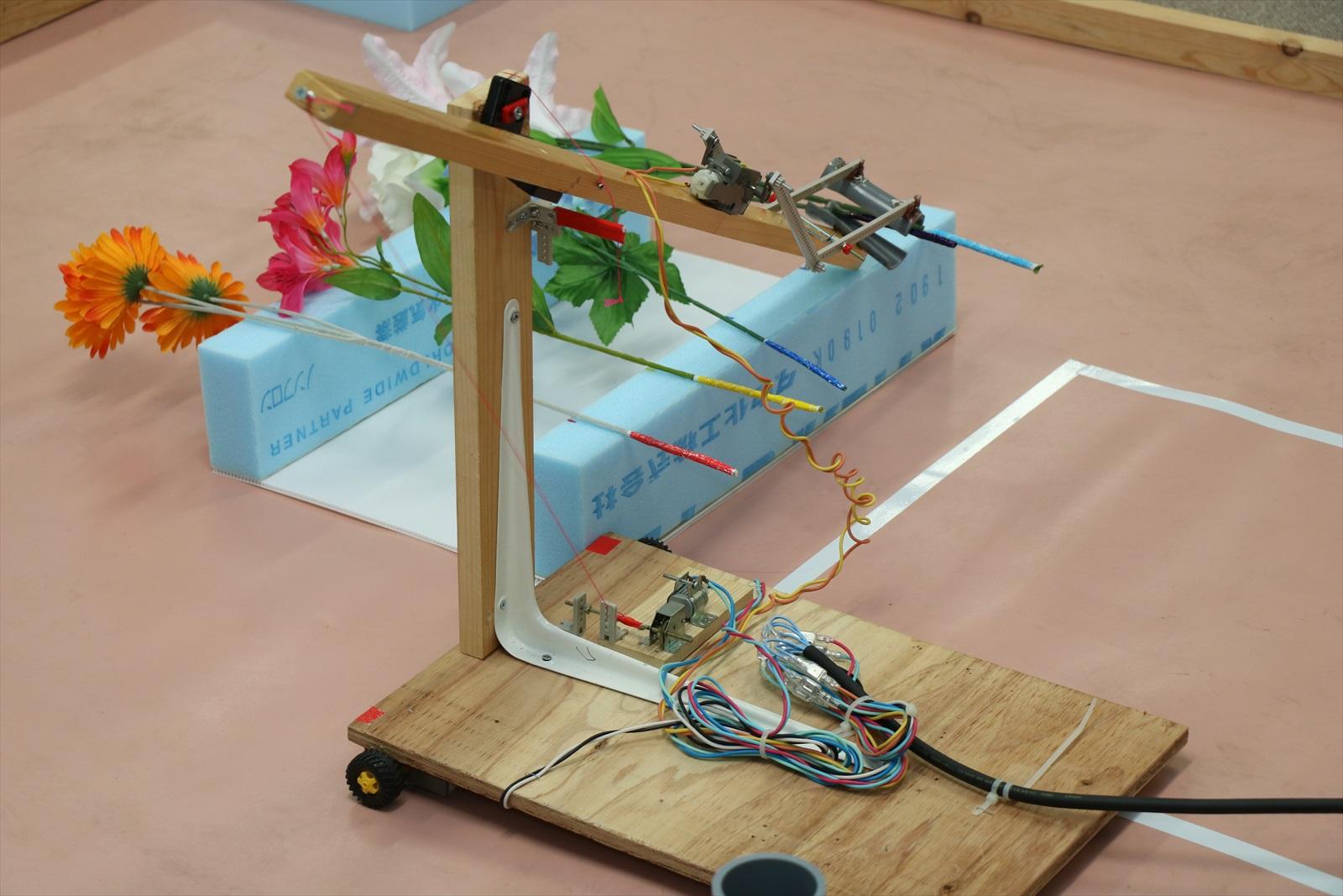 リモコンロボットをつくろう製作講習会(中学生の部)
