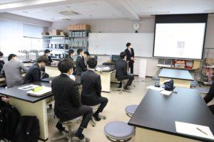 【電子制御工学科】卒業研究(5年)中間発表会の様子